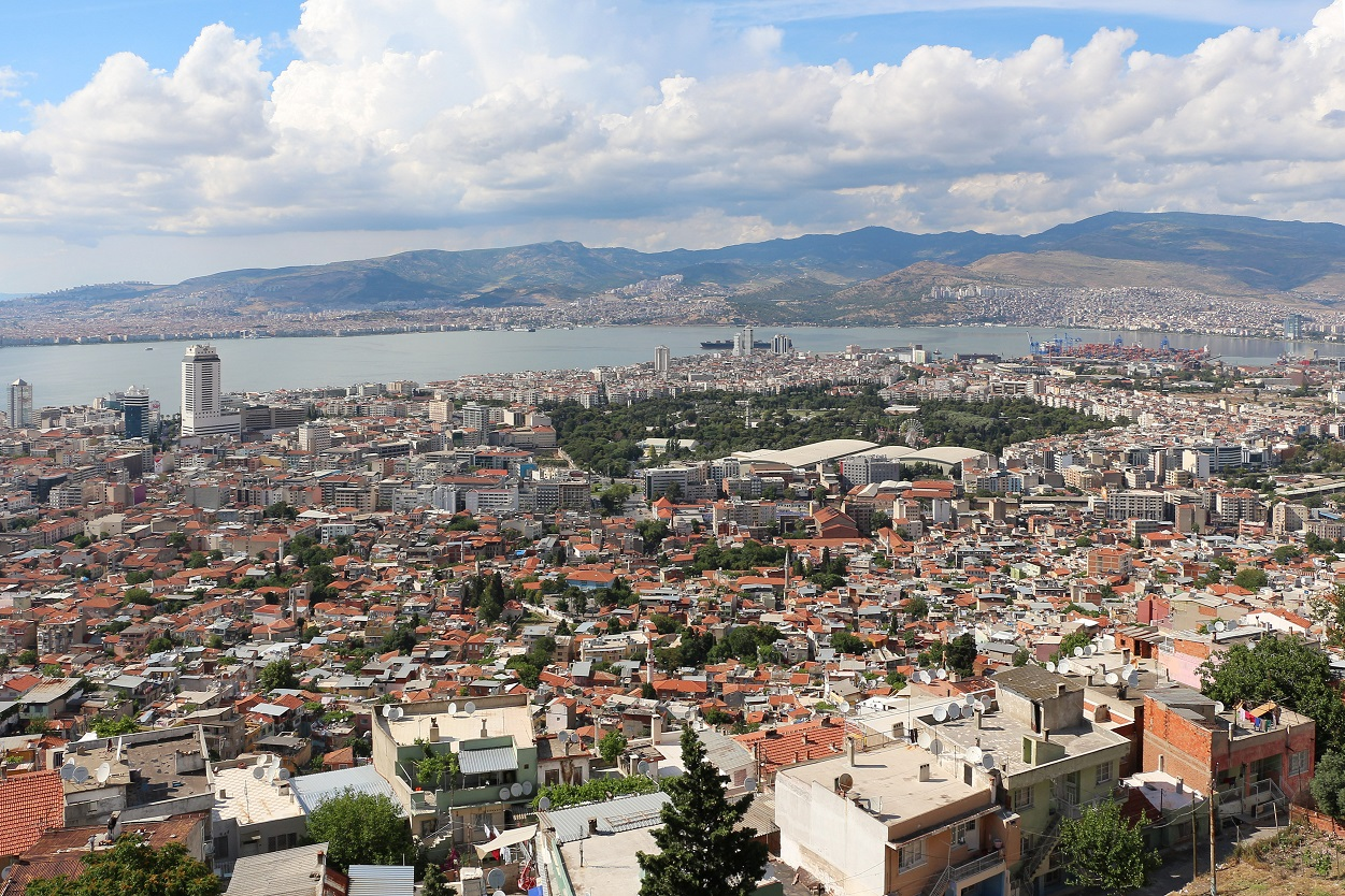 Remarkable Differences In A Commercial And Residential Property In Izmir